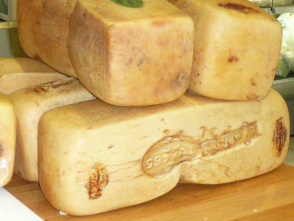 formaggio ragusano dop