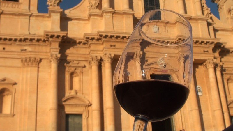 vino del val di noto nero d'avola